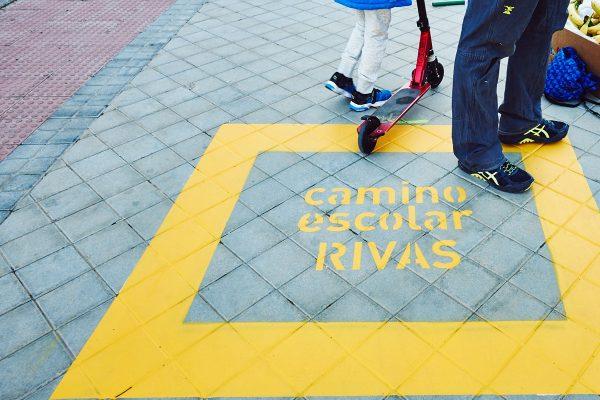Caminos escolares: al cole en grupo y andando