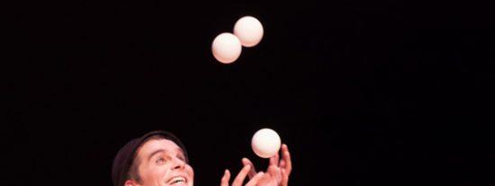 'Domingo': teatro, música y malabares