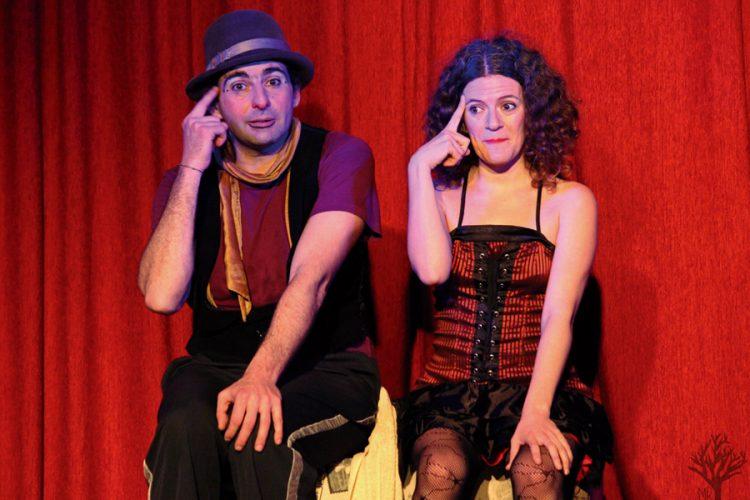'Vaya circo': acrobacias, humor y teatro de calle