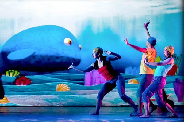 Danza: 'Ballenas, historias de gigantes'