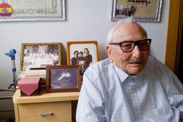 Díez Lugones, maestro republicano de 99 años