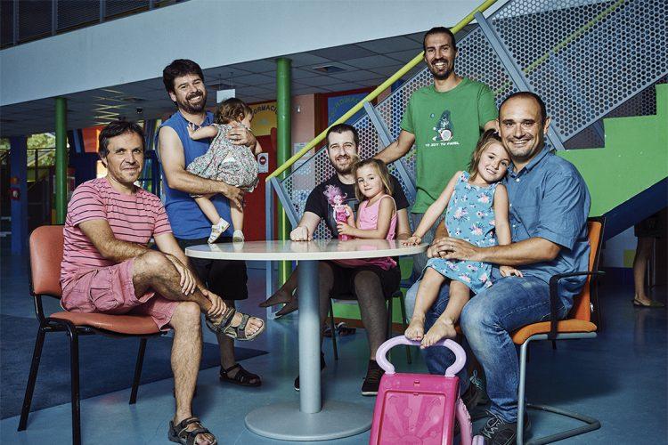 Papás por la crianza: hombres que rompen roles