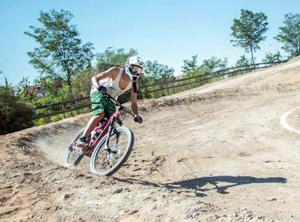 Deporte Morado. Taller no mixto Mountain Bike