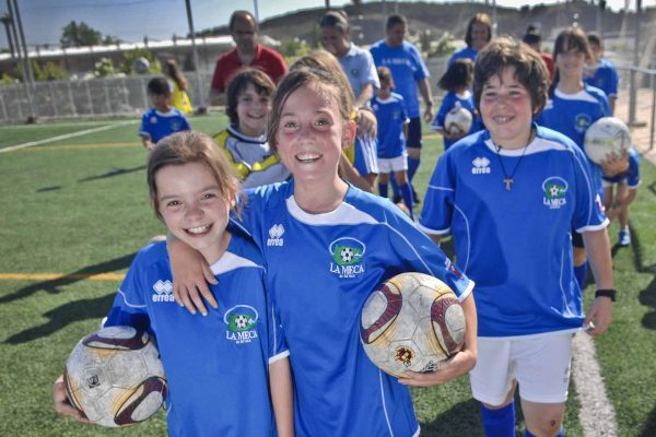 Futboleras: el primer alevín femenino de Rivas