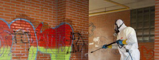 Se limpian más de 50 paredes pintadas de Covibar