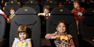 Las matinales: la población escolar, al cine