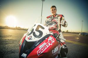 Un campeón de 1000cc que rueda a 300 km/h