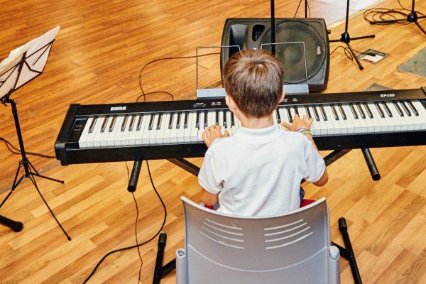Talleres de la EMAR: canto, percusión, dibujo...