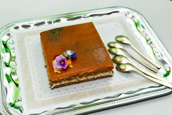 Una tarta vegana, plato representativo de Rivas