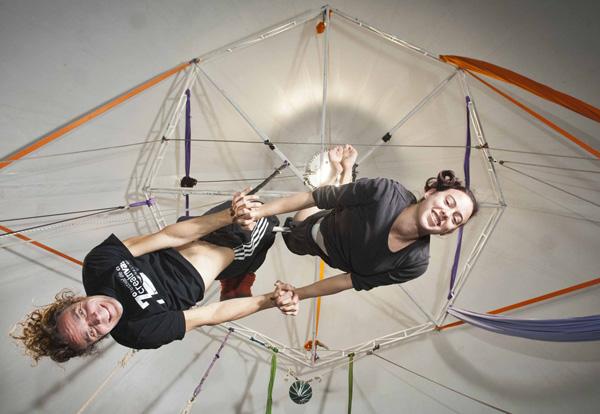 Multicirco: una primera experiencia con el arte circense para personas adultas