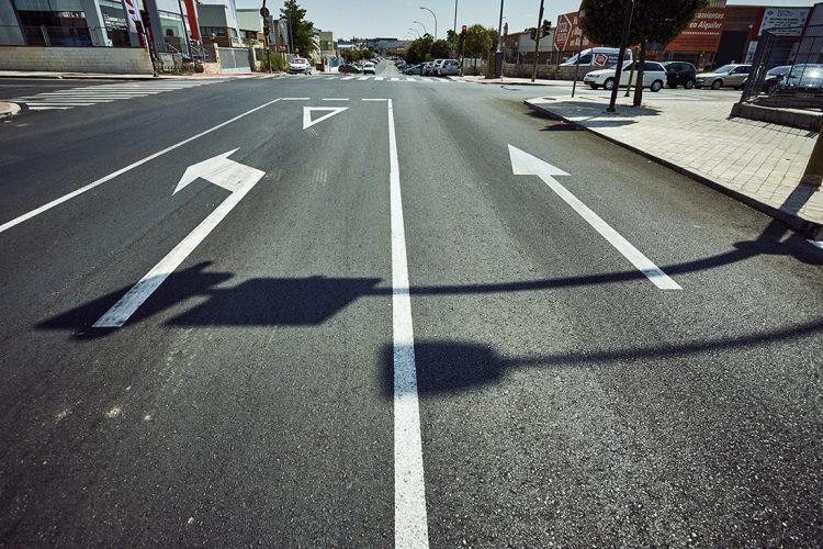Desdoblamiento de carriles en el polígono Santa Ana