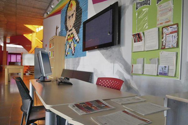 Un lugar para hacer trabajos de clase en La Casa+Grande