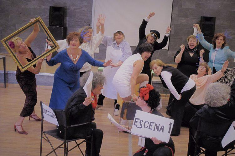 Teatro: grupos de Mujer y Muestra Local