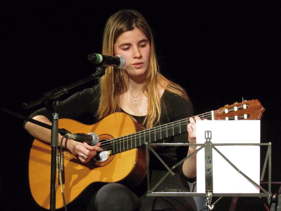Micro Abierto: canciones y poemas, emisión en directo