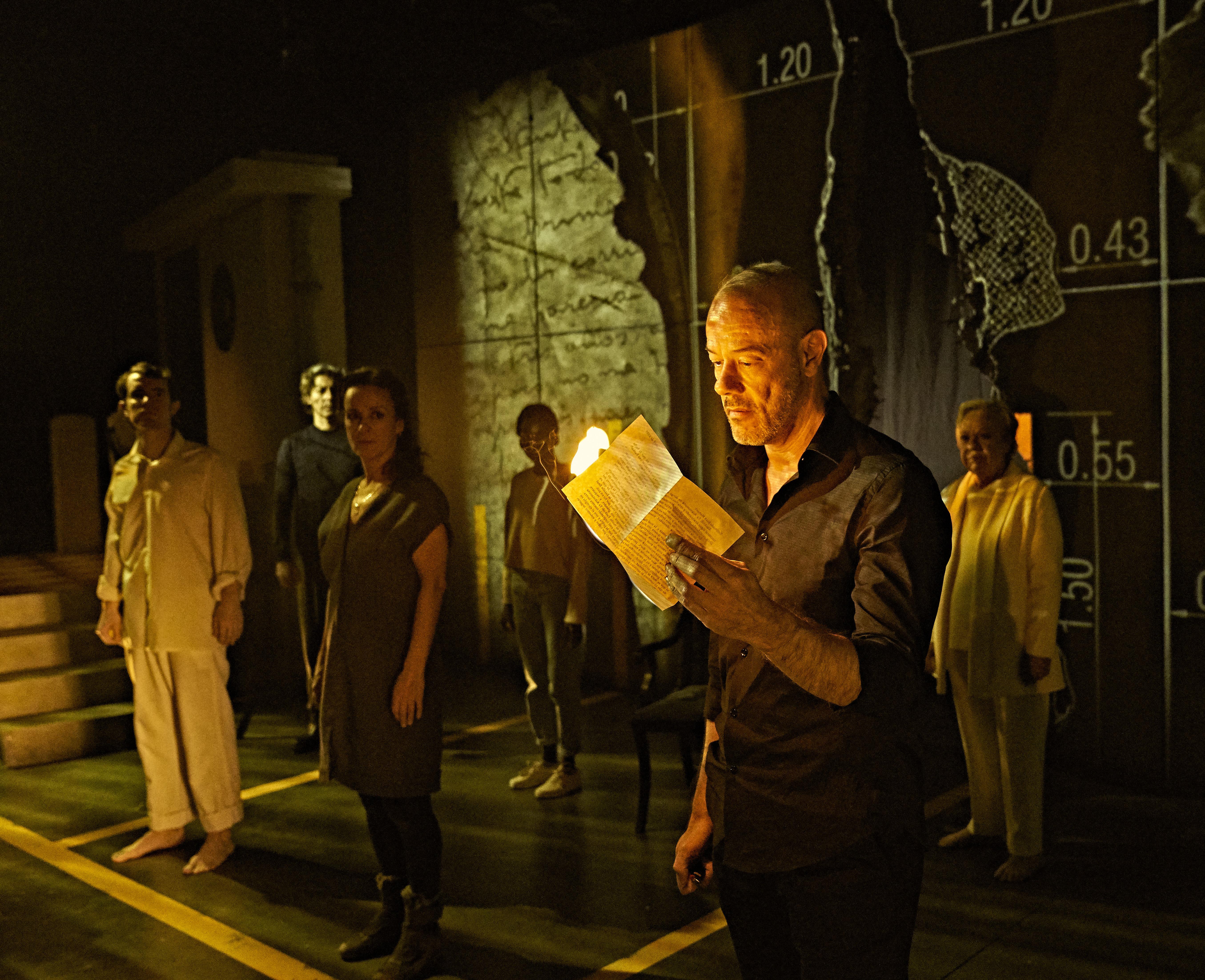 Teatro 'Los otros Gondra' relato vasco