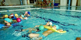 Curso infantil de natación de junio: plazas ya sorteadas