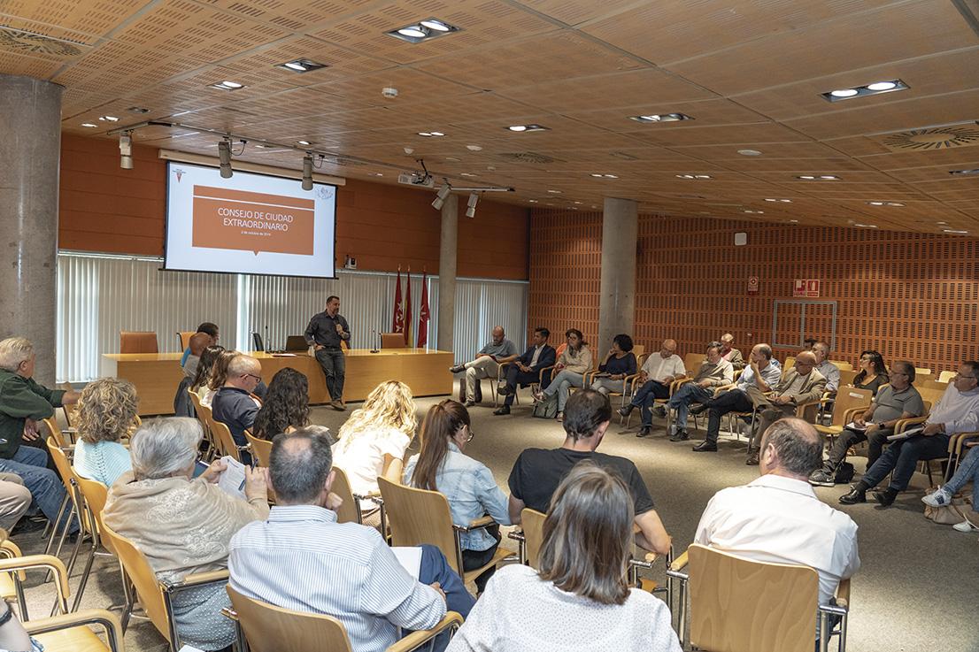 Participación ciudadana: asamblea del barrio Este