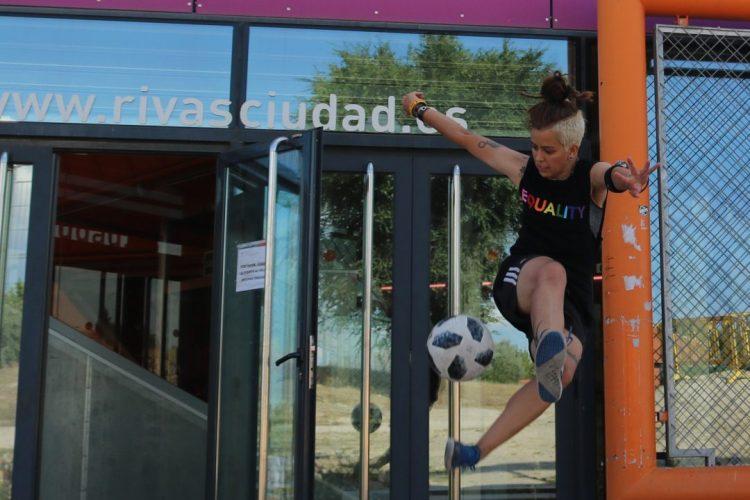 Deporte Joven: escalada, parkour, skate, fútbol freestyle...