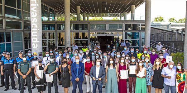 Homenaje a los servicios esenciales que trabajaron durante los peores meses de la pandemia