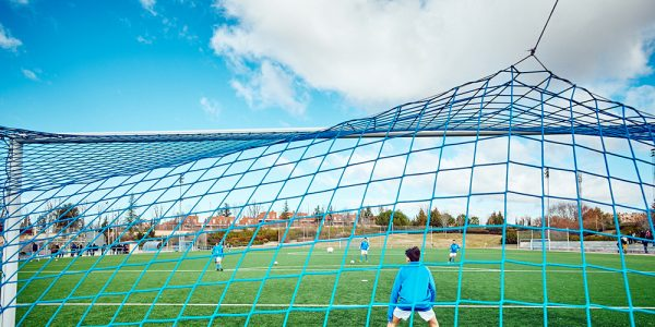 Las ligas municipales de fútbol retrasan su inicio