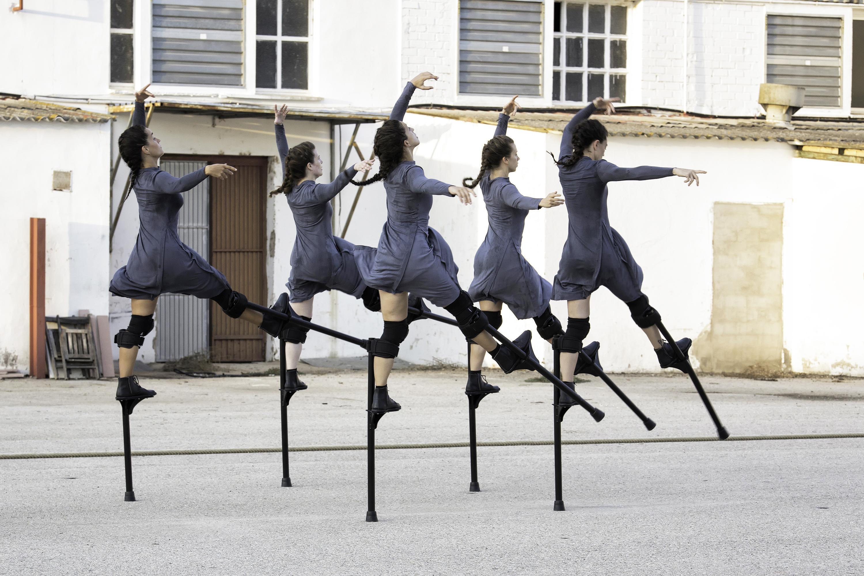 Danza con zancos: 'Mulïer'