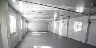 Aulas modulares para uso educativo en parcelas municipales
