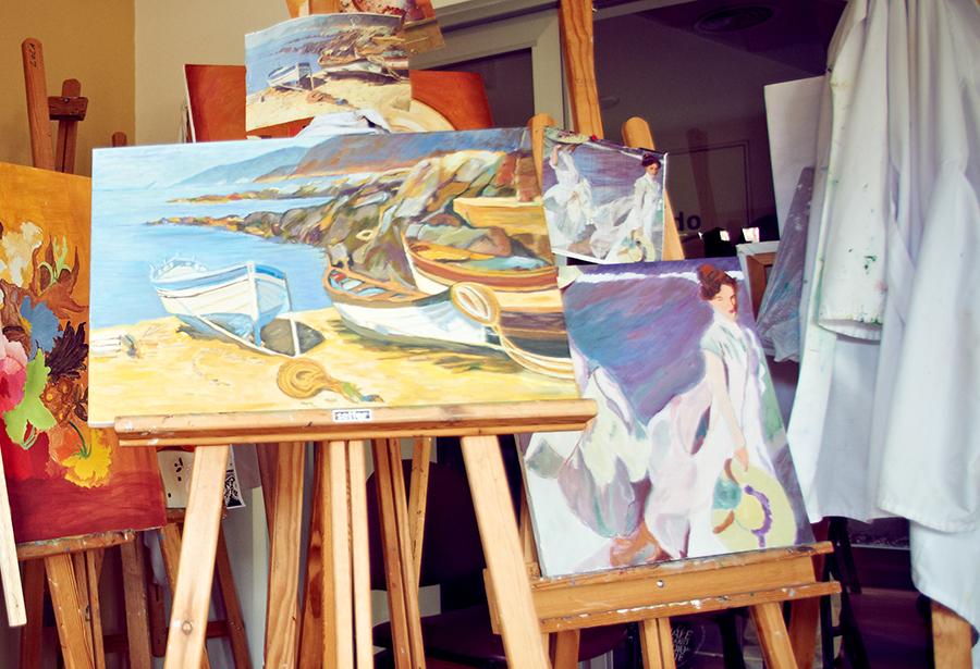 Talleres online para mayores: yoga, pintura, literatura o manualidades
