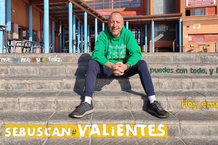 Jaime Velasco: el profe que hace moverse a la gente