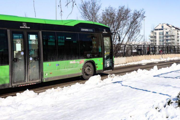 Cuatro líneas lanzadera para conectarse con Madrid y la 330 con Arganda