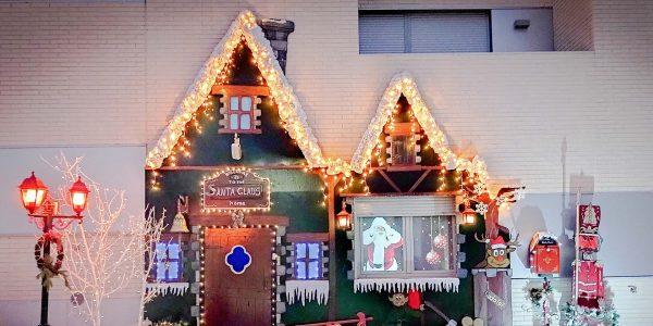 ¿Qué casas de Rivas han decorado mejor su balcón esta Navidad?