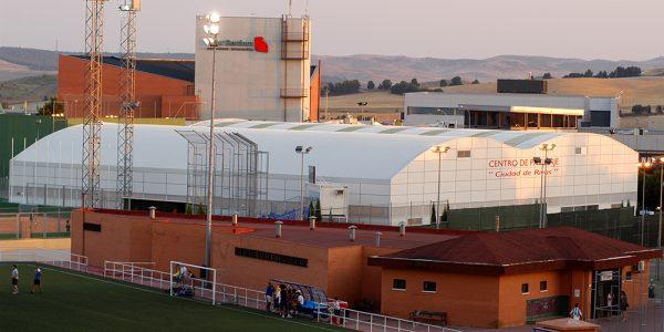 Una primavera de mejoras para el polideportivo Cerro del Telégrafo