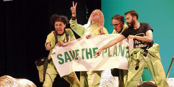 'Greenpiss': sátira de Yllana contra la destrucción ambiental