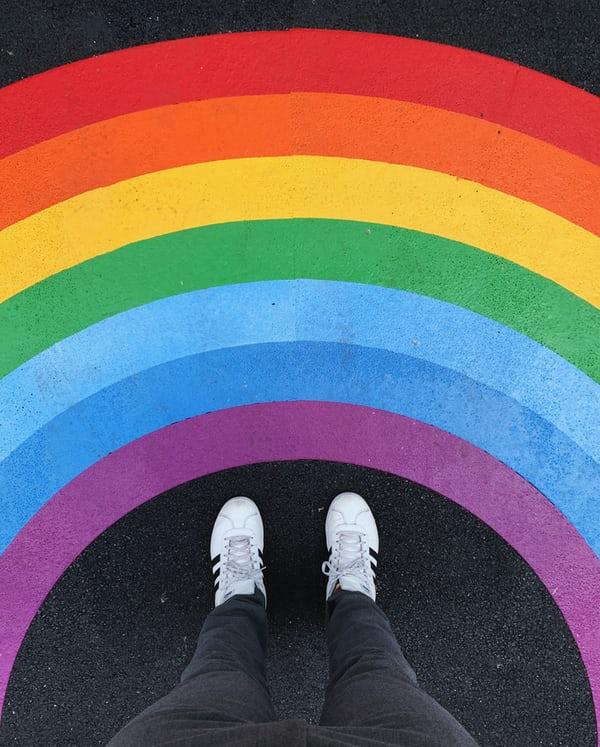 Jueves Arcoiris: Envejece con orgullo. Historia del colectivo LGTBIQ+