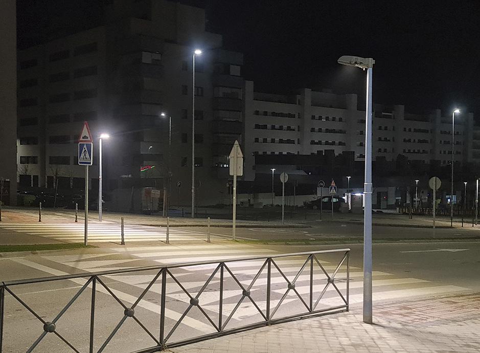 Nuevos proyectores led en 30 pasos de peatones