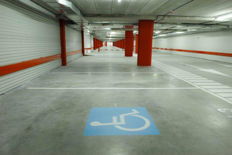Apuesta por las aplicaciones tecnológicas para mejorar el aparcamiento de las personas con movilidad reducida