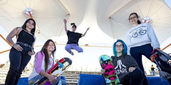 Deportes urbanos: las piruetas las inventan ellas