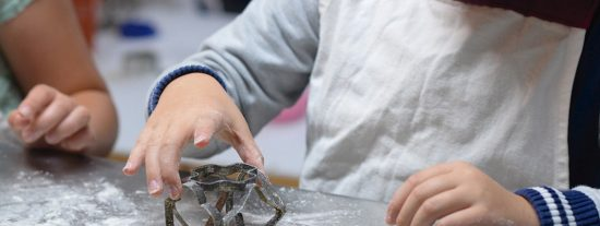 Tardes de ocio familiar:crear joyas, cocinar galletas y más