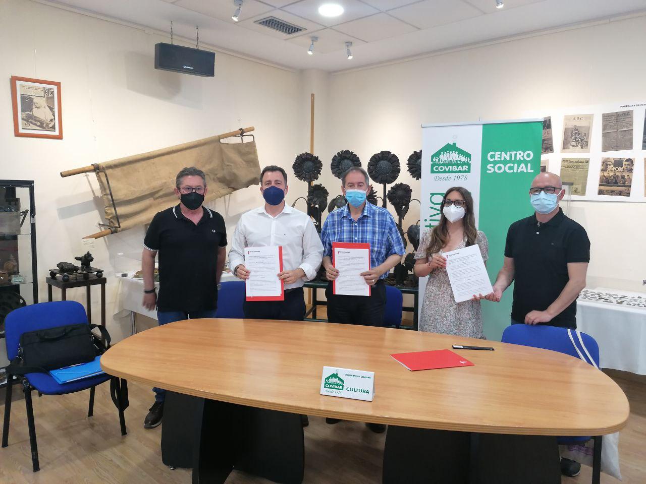 Suscrito el convenio entre el Ayuntamiento y Covibar para la promoción cultural del barrio