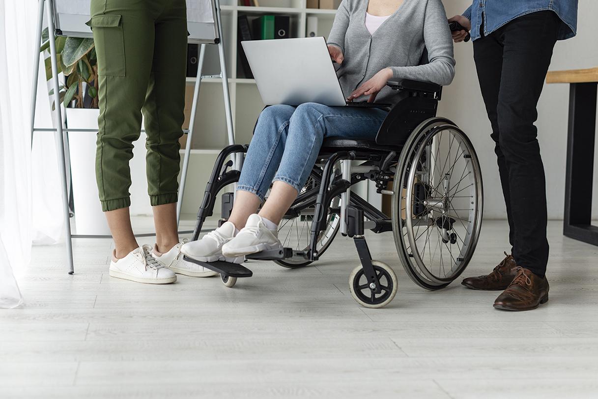 La ayuda a domicilio incorporará un programa de respiro para personas cuidadoras