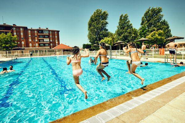 Las dos piscinas de verano abren hasta el 5 de septiembre