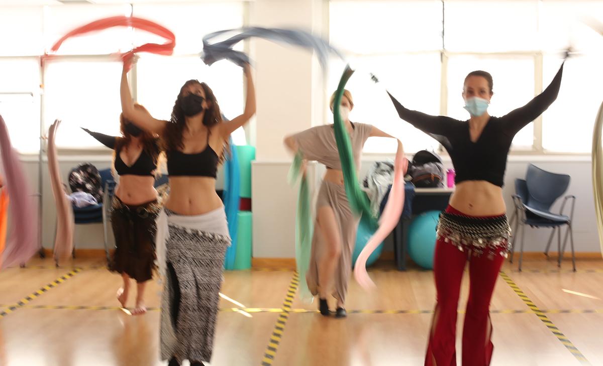 Espectáculos de los talleres de danza moderna y oriental