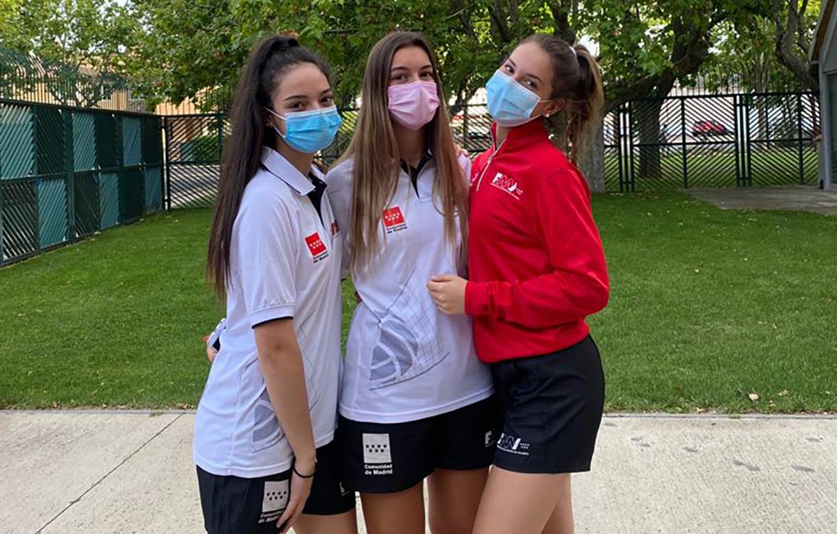Tres jugadoras del Voleibol Rivas, al campeonato de España autonómico