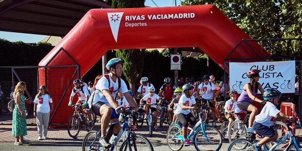 Día de la Bici: 800 manillares por las calles de Rivas